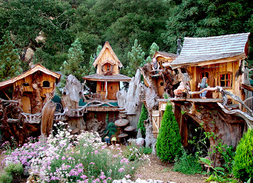 #2 chainsaw carved village
