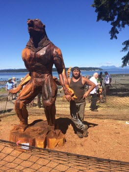 #7 chainsaw carving wolfman