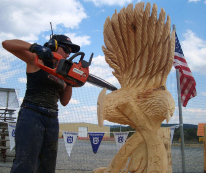 #9 chainsaw carving eagle